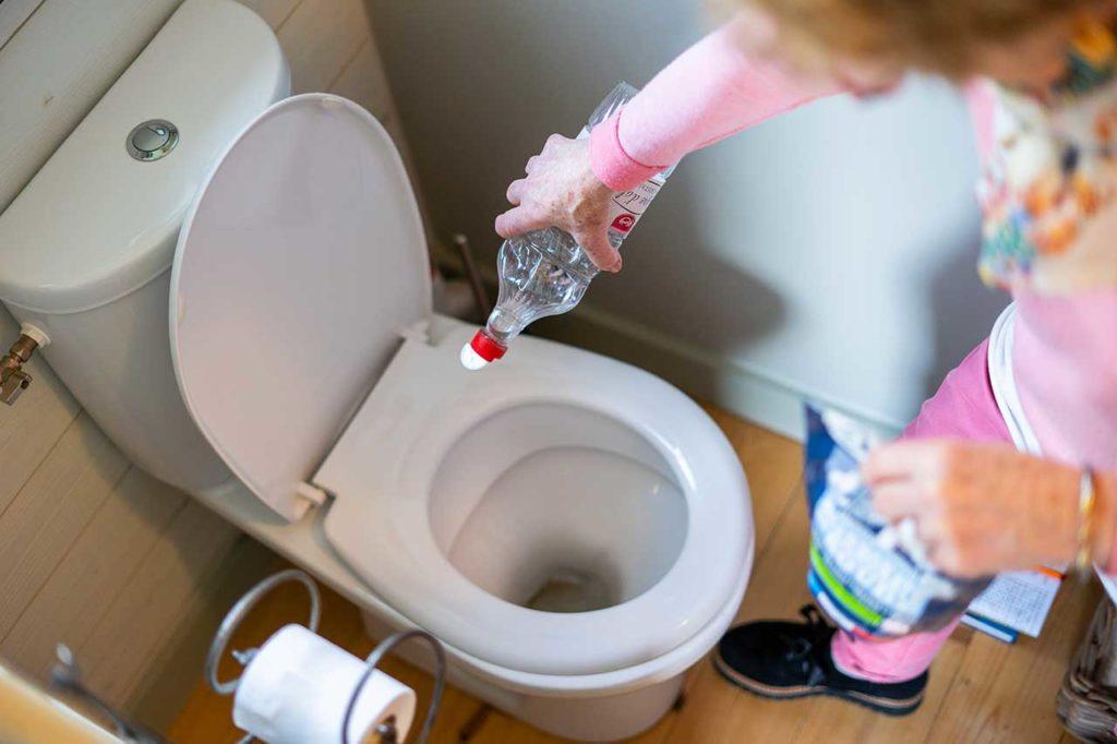 Produit naturel pour nettoyer ses toilettes