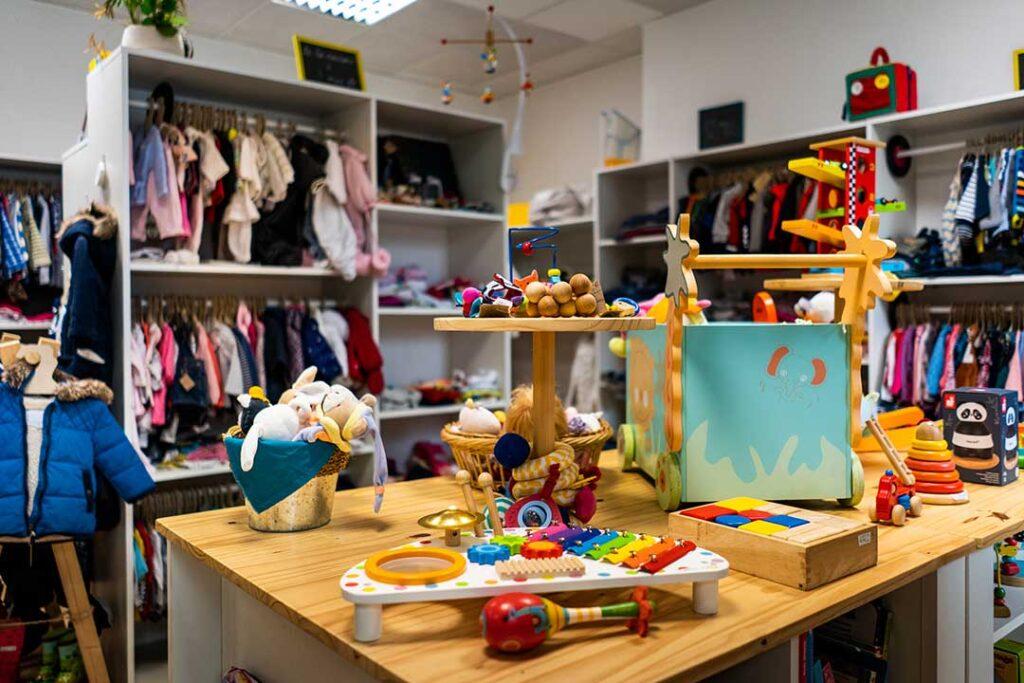 Boutique seconde-main articles pour enfants